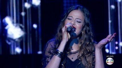 """Erica Natuza canta """"Nada Por Mim"""""""