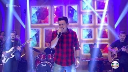 Léo Pain, vencedor do 'The Voice Brasil 2018', se apresenta no 'Encontro'