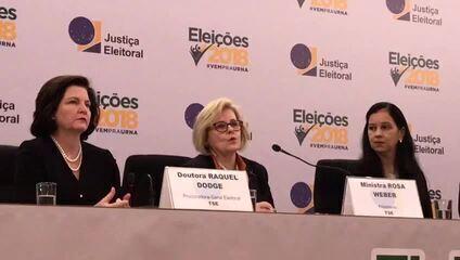 Rosa Weber, presidente do TSE, durante entrevista à imprensa neste domingo (7)