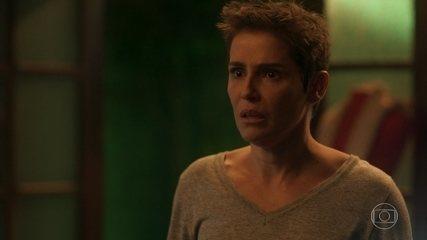Dulce revela que Laureta é mãe de Karola