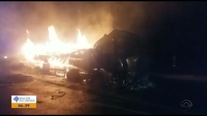 Caminhão pega fogo na BR-386, no Norte do RS