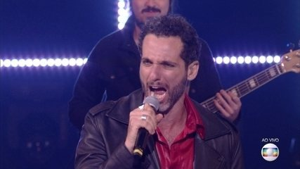 Mouhamed Harfouch cantou 'Rock And Roll All Nite'