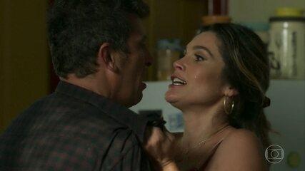 Rita de Cássia descobre os gostos particulares de Machado e se anima