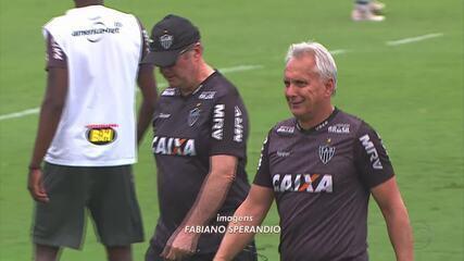 """Ídolo do Atlético-MG, Éder Aleixo """"dá aula"""" de golaços aos jogadores do atual elenco"""