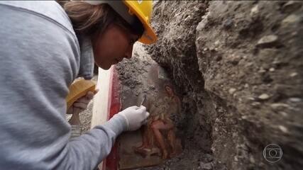 Descoberta de arqueólogos italianos revela afresco milenar
