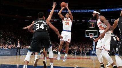 Melhores Momentos: New York Knicks 136 x 134 Milwaukee Bucks, pela NBA