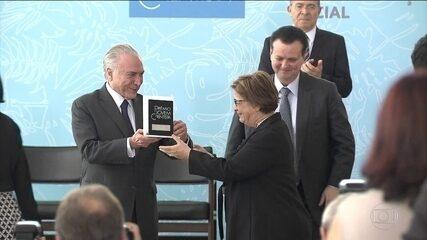 Vencedores do Prêmio Jovem Cientista foram homenageados em cerimônia no Planalto