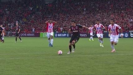 Veja os melhores momentos da decisão entre Atlético-PR e Junior Barranquilla