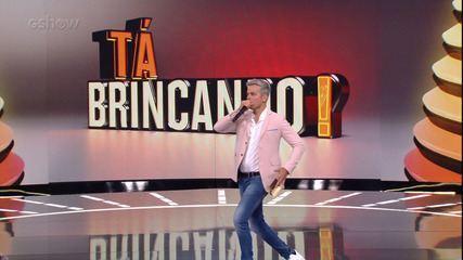 Falha Nossa? Otaviano Costa se diverte nos bastidores do 'Tá Brincando'