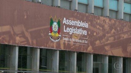 MP investiga repasse de salários de servidores para deputados estaduais no RS