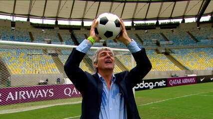 Carrasco do Brasil em 82, Paulo Rossi visita o Maracanã, esbanja carisma e pede música