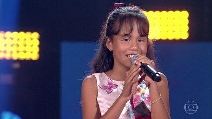 Ana Rízia canta 'Felicidade'