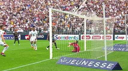 Vanderlei faz defesa sensacional e evita o segundo gol do Corinthians aos 22 do 1º tempo