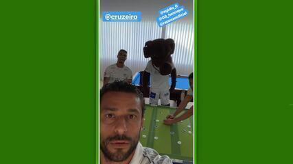 Via rede social, Fred mostra a nova camisa do Cruzeiro