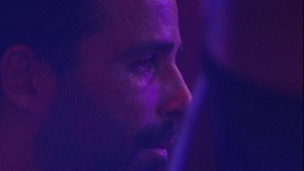 Vinicius chora na pista da Festa Arte