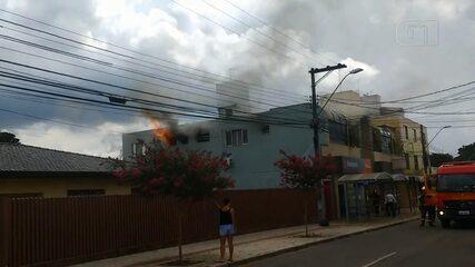 Incêndio atinge faculdade em São José dos Pinhais; ninguém ficou ferido