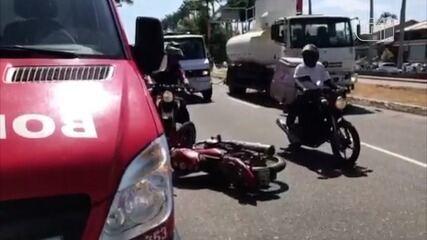 Videos mostram estado de veículos após acidente na manhã desta terça (22) em Campos