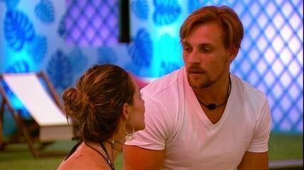 Paula para Diego: 'Te acho muito estrategista'