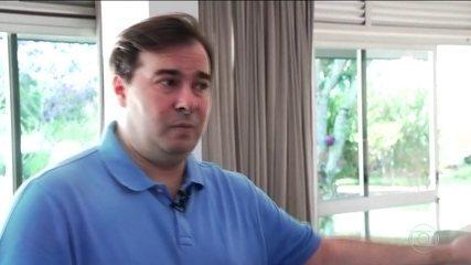 Políticos atuam para esfriar crise no Planalto e cobram solução do presidente