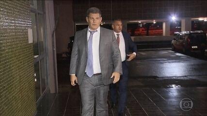 Jair Bolsonaro se encontra com Onyx Lorenzoni para buscar saída para crise política