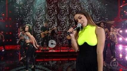 Anitta canta 'Veneno'