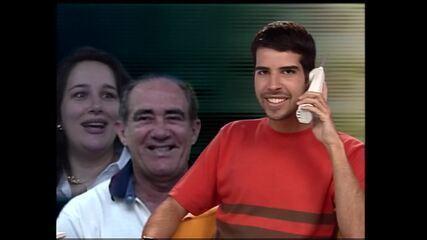 Alex Lerner conversa por telefone com Renato Aragão sobre o nascimento da filha Livian