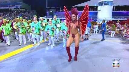 Juju Salimeni é rainha de bateria da X-9 Paulistana