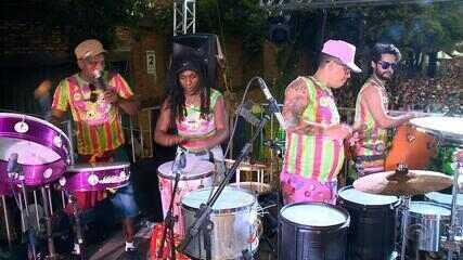 Blocos levam 80 mil pessoas para pular carnaval em Caxias do Sul