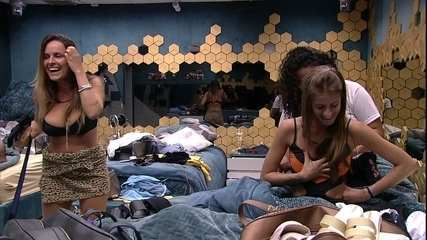 Família no BBB: Clarisse, irmã de Carolina, sugere: 'Tiago deveria vir falar com a gente'