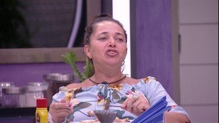 Gabriela supõe que ex-BBBs estarão na casa: 'E a gente tem que escolher um para voltar'