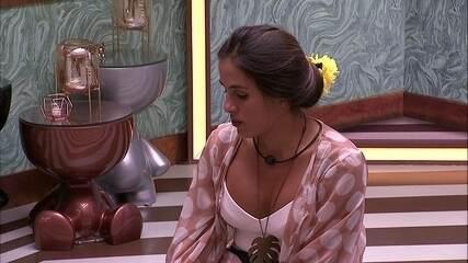 Carolina fala sobre sua irmã: 'Jamais iria para o Big Brother'