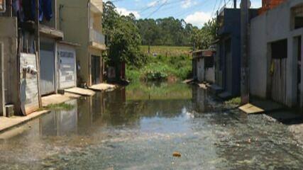 Alagamentos contínuos em Itaquaquecetuba gera reclamações dos moradores