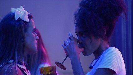 Carolina fala para Gabriela: 'Depois das meninas, são você e o resto'