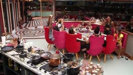 Gabriela escolhe Rodrigo e Danrley usar a pulseira VIP do Líder