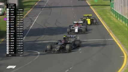 Giovinazzi erra e é ultrapassado por Magnussen, Hulkenberg e Raikkonen
