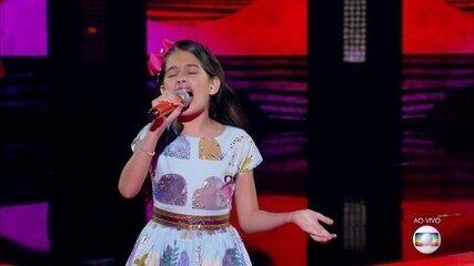 """Palloma Gueiros canta """"Maria Maria"""""""