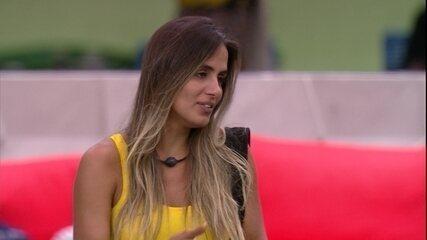 Carolina imagina Rodrigo sem poder fazer o Mercado: 'Dormiu no ponto, perdeu a vez'