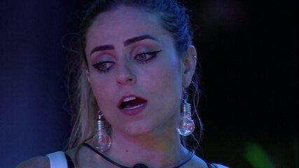 Paula se isola e fala sozinha sobre o jogo do BBB: 'Se não pegar o Líder amanhã vou para o Paredão de novo'