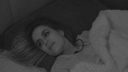 Carolina comenta com Alan: 'Algumas pessoas acordaram pro jogo'