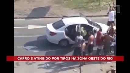 Carro é atingido por mais de 80 tiros e homem é morto por militares no Rio