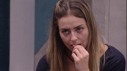 Paula questiona Hariany: 'Imagina se a Rízia fica e vai você e Carol para o Paredão?'
