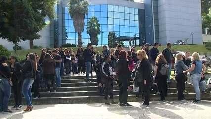 Professores municipais de Alumínio paralisam atividades em protesto nesta quarta-feira