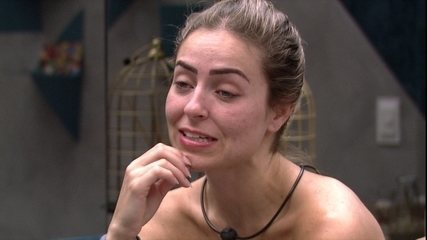 Sisters continuam relembrando discussão e Paula diz: 'A gente briga como se não tivesse'