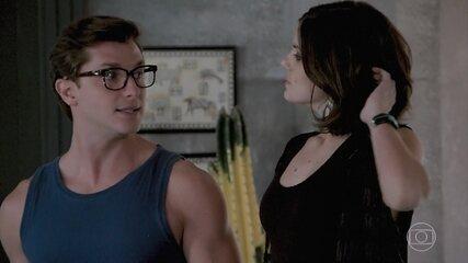 Vanessa deixa Patrick entrar no apartamento de Jerônimo