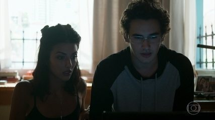Camila manipula Benjamin para se vingar de Laila