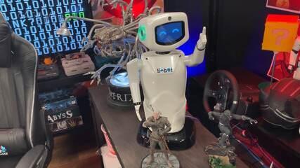 Conheça o Tibot, o novo robô parceiro de Tiago Leifert no Zero 1