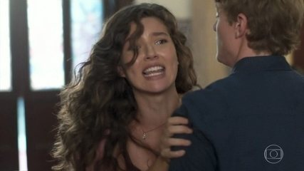 Lara avança contra Rita no batizado de Nina