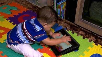 OMS sugere 1 hora por dia de tecnologia diária para crianças de 2 a 4 anos