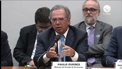 Paulo Guedes diz que Previdência virou buraco negro fiscal que ameaça engolir o Brasil