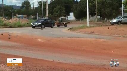 Reforma em asfalto de rotatória na NS-15 ainda não foi concluída